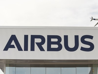 Airbus flies back into black in first quarter