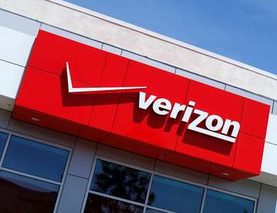 Verizon to sell Yahoo, AOL for $5bn