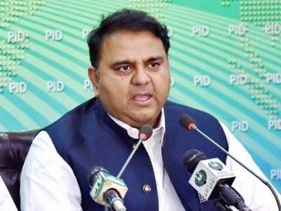 Fawad defends PM Imran's criticism of envoys