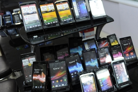 Bid to smuggle Rs9.4m electronic goods from UAE foiled