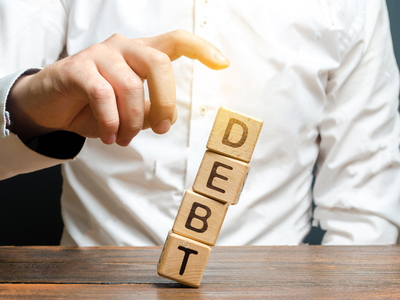 Americans paying down debt at rapid pace