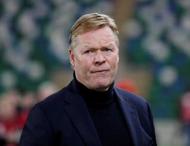 Barcelona coach Koeman feels unfairly treated but wants to stay