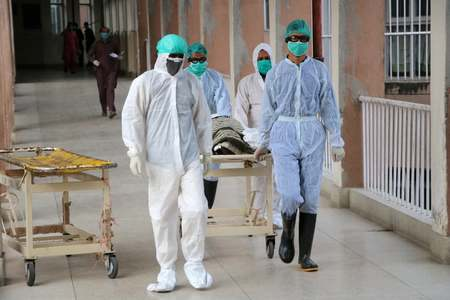 COVID-19: Pakistan reports 76 deaths, 2,379 new infections in 24 hours