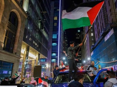 Pro-Israel, pro-Palestinian protesters clash in Montreal