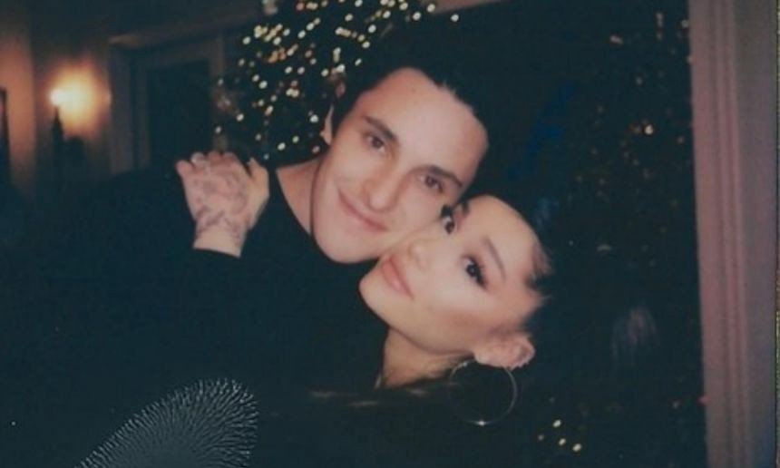 Ariana Grande marries real estate agent boyfriend Dalton Gomez in tiny ceremony
