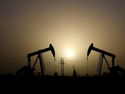 Oil rises as US, Europe reopen economies