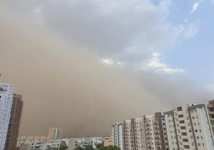 Four dead, several injured as massive dust storm hits Karachi under cyclone Tauktae