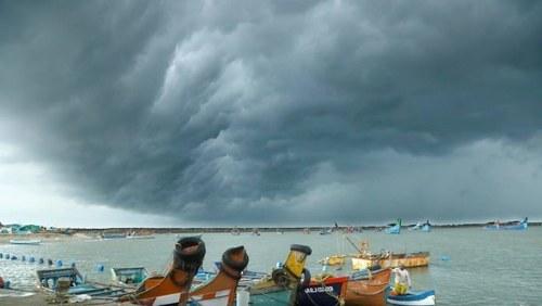 Gusty winds, rain to hit Karachi again today, predicts Met Dept