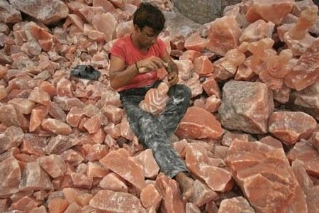 Pakistan all set to register pink salt, mangoes for GI tag
