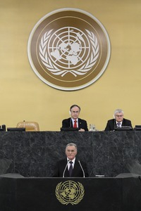 UN chief declares 'war' on Covid as India toll tops 300,000