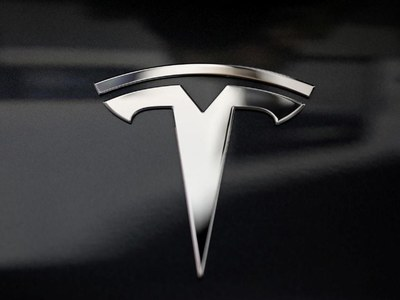 Tesla sets up China site to store data locally