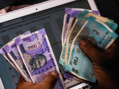 Indian economy contracted by record 7.3pc in 2020-21