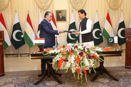 Pakistan, Tajikistan sign 12 MoUs across various sectors