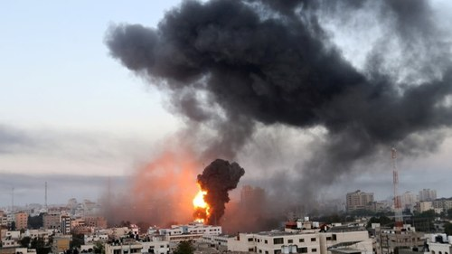 Eight Syrian fighters killed by Israeli air strikes: monitor