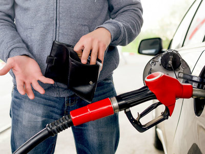GDP, inflation, and petroleum pricing
