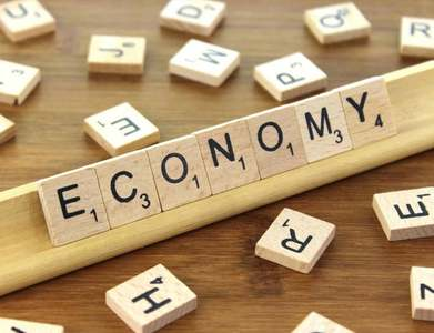 Britain's economy strengthens recovery