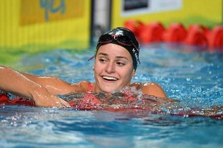 McKeown smashes 100m backstroke world record