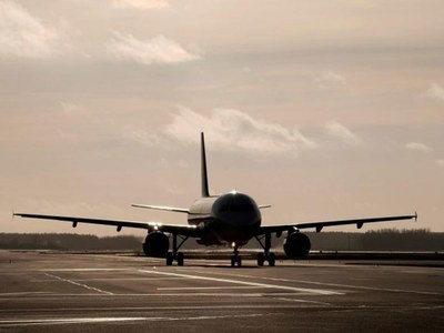 Major banks, airlines hit in global online outage