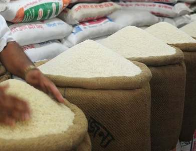 Asia rice: Weaker rupee drags India rates down