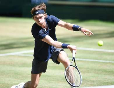 Rublev advances to first grasscourt semi-final of career at Halle