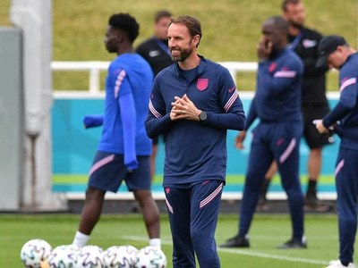 England boss Southgate unlikely to take risks again Czechs