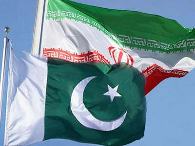 Iran hands over 400 illegal Pakistani migrants to officials