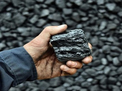 China ferrous futures rise, coking coal and coke set for weekly gains