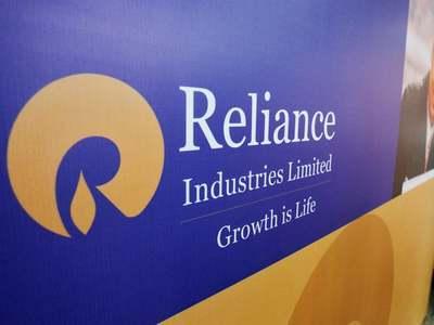 Reliance unveils $10bn green energy push
