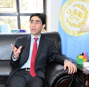US is leaving Afghanistan without settling Afghan issue: Dr Moeed Yusuf
