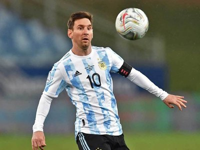 Messi stars as Argentina set up Colombia Copa semi-final