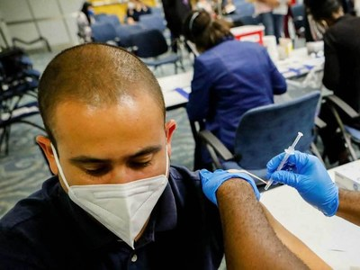 Israel data 'preliminary signal' Delta variant can bypass vaccine: expert