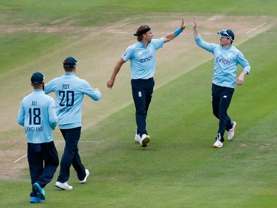 Seven members of England team test positive for COVID-19