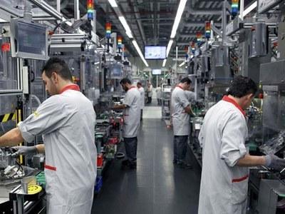 German industrial orders fall on tepid global demand