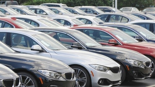 Pakistan targets automobile production of 300,000 in FY22