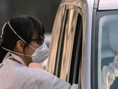 S.Korea reports 1,100 new coronavirus cases, toughest curbs in force in Seoul