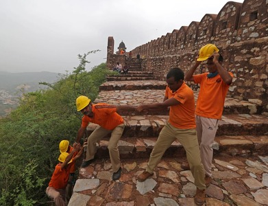 Lightning kills 76 in India, including selfie-takers near famous fort