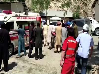 Bus blast kills 13, including 9 Chinese
