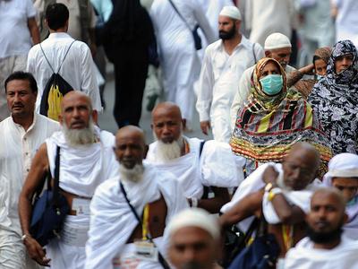 Pilgrims arrive in Makkah for second pandemic Hajj