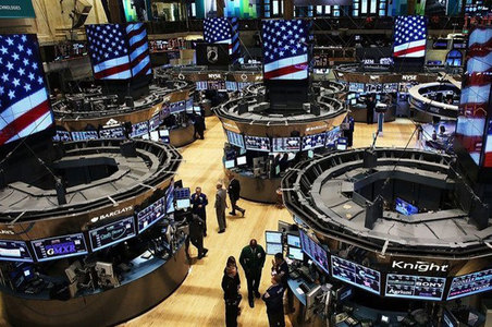 US stocks advance, Europe marks time