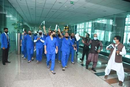 PM Imran says 62 Pakistani prisoners released from Saudi jails