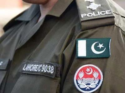 Police carry out flag march in Lahore ahead of Eidul Azha