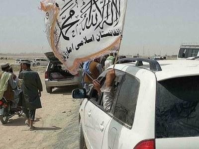 Taliban claim to control 90 percent of Afghan border
