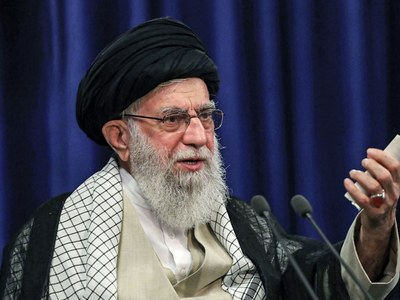 Khamenei warns protesters not to give ammunition to Iran foes