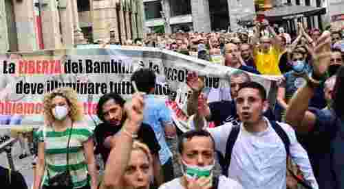Protests across Italy against Covid certificates
