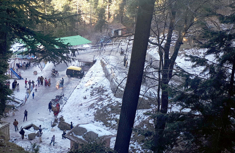 Traffic congestion in Murree: Visitors urged to follow rules