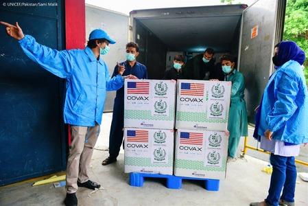 Pakistan receives 3 million doses of Moderna vaccine