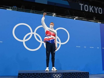 Britain's Dean comes back from Covid to win freestyle gold