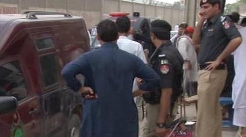Policeman martyred in Peshawar grenade attack