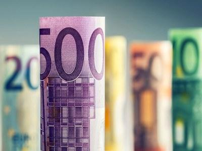 Euro zone govt yields edge higher as week begins on bright note