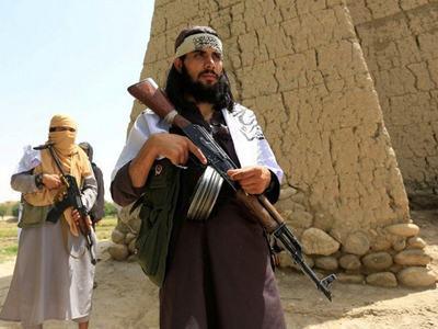 Taliban close border crossing with Pakistan
